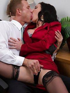 Kissing Milf Porn
